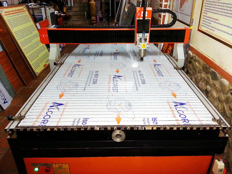 Cắt khắc gia công laser & CNC giá rẻ
